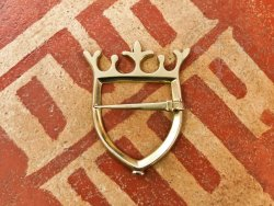 BR-16 Brooch - Shield with crown